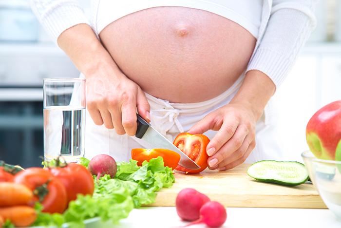 4debo-hacer-dieta-embarazo-b