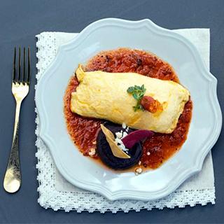 Omelette de Huitlacoche con Salsa Roja